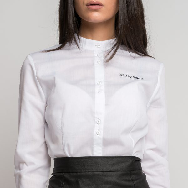 uniforme-gastronomico-camisa-entallada-tablas-diseno-mujer-natalie-cole